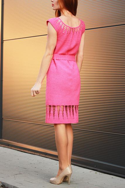 Różowa sukienka z paskiem4