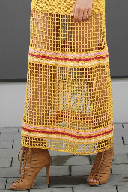 Sukienka długa szydełkowa z siatką.3