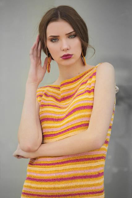 Sukienka długa szydełkowa z siatką2