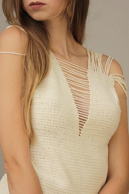 sukienka szydełkowa z rozcięciami1